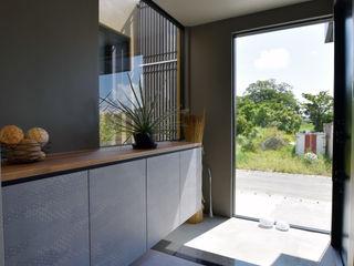 Style Create Modern corridor, hallway & stairs