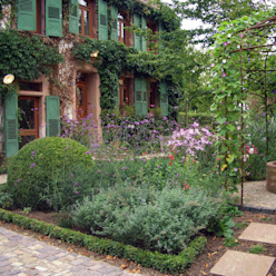 Planungsbüro STEFAN LAPORT Country style garden