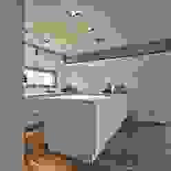 Schiller Architektur BDA Cocinas de estilo moderno
