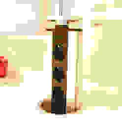 Lowerable power outlet strip in the kitchen island homify CocinaArmarios y estanterías