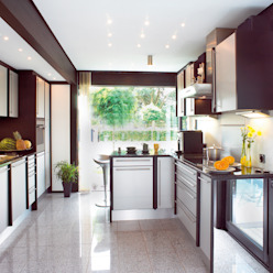 DAVINCI HAUS – a House for Lovers of Nature and Nobility DAVINCI HAUS GmbH & Co. KG Cocinas de estilo moderno