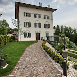 il vialetto in porfido d'accesso luca pedrotti architetto Case moderne