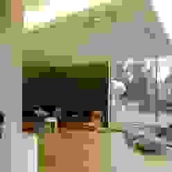Villa in Saarbrücken Moderne Wohnzimmer von Bolz Licht und Wohnen · 1946 Modern