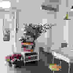 casa di ringhiera marta novarini architetto Sala da pranzo moderna