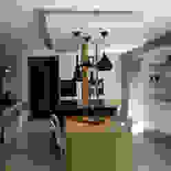 UN AMOUR DE MAISON Eclectic style kitchen