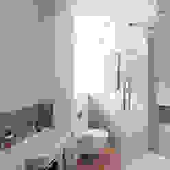 Oakhill Court, Putney Casas de banho rústicas por Ardesia Design Rústico