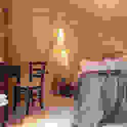 FRANCESCO CARDANO Interior designer Kamar Tidur Gaya Rustic