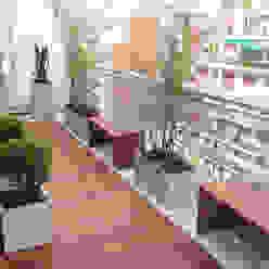 Estudio Nicolas Pierry: Diseño en Arquitectura de Paisajes & Jardines Balcones y terrazas de estilo moderno