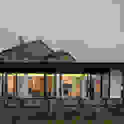 Minimalistische Häuser von Nan Arquitectos Minimalistisch