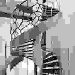 TransParancy by EeStairs® - Glass balustrades EeStairs | Stairs and balustrades Corredor, vestíbulo e escadasEscadas