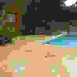 Piscinas mediterrâneas por Solnhofen Piedra Natural, S.L. Mediterrâneo