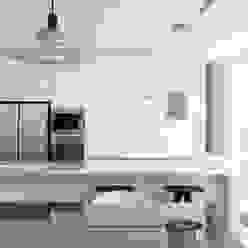Cucina moderna di HYLA Architects Moderno