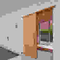 稜線の家 ウタグチシホ建築アトリエ/Utaguchi Architectural Atelier モダンな 家