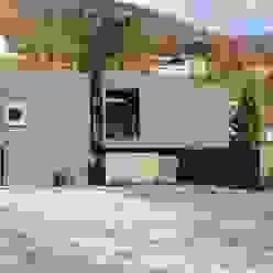 Südfassade Moderne Häuser von raum.werk.plus. architektur + raumdesign Modern