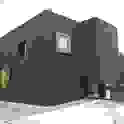 Nordfassade Moderne Häuser von raum.werk.plus. architektur + raumdesign Modern