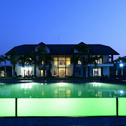 PRIVATE RESIDENCE AT KERALA(CALICUT)INDIA TOPOS+PARTNERS Classic style houses