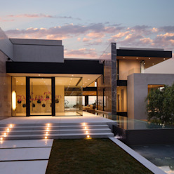 SUNSET STRIP RESIDENCE Moderne Häuser von McClean Design Modern