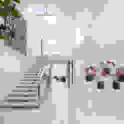 SUNSET STRIP RESIDENCE Moderner Flur, Diele & Treppenhaus von McClean Design Modern