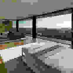 SUNSET STRIP RESIDENCE Moderne Schlafzimmer von McClean Design Modern