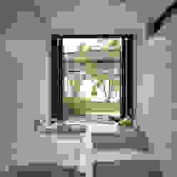 Sakurayama-Architect-Design Baños modernos