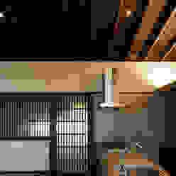 野間の家: 傳寶慶子建築研究所が手掛けたキッチンです。,
