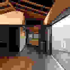 野間の家: 傳寶慶子建築研究所が手掛けたダイニングです。,
