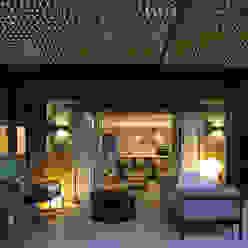 Moderne Häuser von dom arquitectura Modern