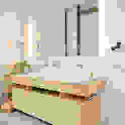 Banheiros modernos por SNAP Stoeppler Nachtwey Architekten BDA Stadtplaner PartGmbB Moderno