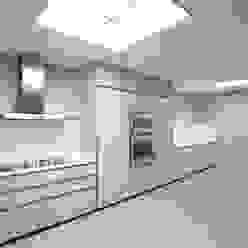 Rehabilitación de ático en Turó Park, Barcelona MANO Arquitectura Cocinas de estilo minimalista