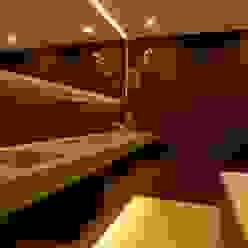 Badkamers Moderne badkamers van Designed By David Modern