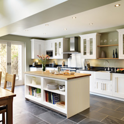 Shaker kitchen by Harvey Jones:  Kitchen by Harvey Jones Kitchens