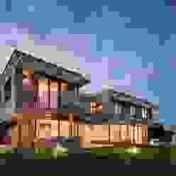 Ansicht Süd-Ost bei Nacht Moderne Häuser von illichmann-architecture Modern