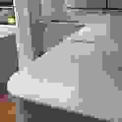 CimStone Sines Quartz Worktops Cocinas clásicas de Marbles Ltd Clásico