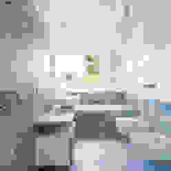 stefania eugeni Baños de estilo minimalista
