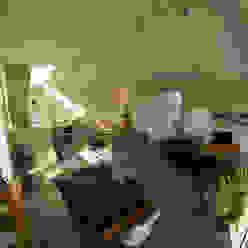 Neubau eines Einfamilienhauses mit Doppelgarage in Hanglage: modern  von STRICK  Architekten + Ingenieure,Modern