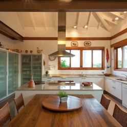 Jaguariuna Cozinhas rústicas por PM Arquitetura Rústico