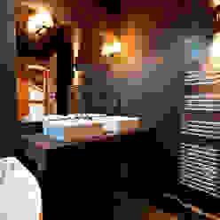 Chalet de Claude: sale de bain shep&kyles design Salle de bain rurale