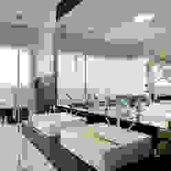 Bagno moderno di Designer de Interiores e Paisagista Iara Kílaris Moderno