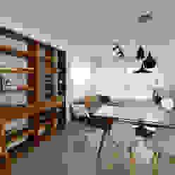 Apartamento Publicitária Johnny Thomsen Arquitetura e Design Salas de jantar modernas