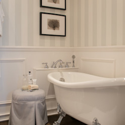 Casas de banho clássicas por Studio Inaczej Clássico