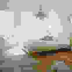 Cocooninberlin Dormitorios de estilo ecléctico