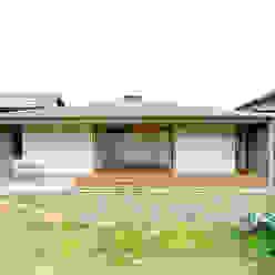 Casas de estilo escandinavo de 株式会社ミユキデザイン(miyukidesign.inc) Escandinavo