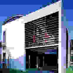 コートハウスの外観: 土居建築工房が手掛けた家です。,ミニマル