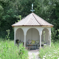 Octagonal Cedar Summerhouse Klassischer Garten von Garden Affairs Ltd Klassisch Holz Holznachbildung
