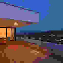 Haus Rheinblick Moderner Balkon, Veranda & Terrasse von wirges-klein architekten Modern