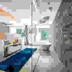 모던스타일 욕실 by ARKITURA GmbH 모던
