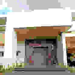 Front doors by AMEC ARQUITECTURA ,