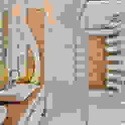 Modern bathroom by Designer de Interiores e Paisagista Iara Kílaris Modern