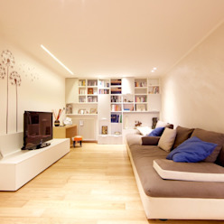 Modern Living Room by Modularis Progettazione e Arredo Modern
