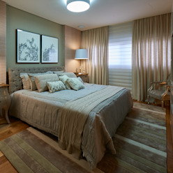 Klasyczna sypialnia od Gláucia Britto Klasyczny